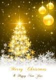 金黄圣诞节球有圣诞树装饰背景 免版税库存图片