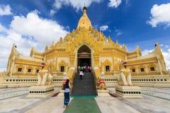 金黄塔。缅甸 库存照片