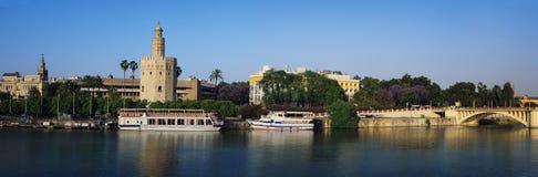 金黄塔全景在塞维利亚 库存照片