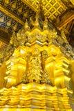 金黄塔在Wat Phra那条Si Chom皮带Worawihan 库存照片