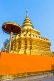 金黄塔在Wat Phra那Sri Jomthong在Chiangmai 库存照片