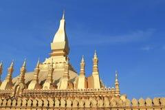 金黄塔(Pra那Laung)在老挝 免版税库存照片