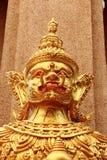 金黄大雕象 免版税图库摄影