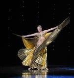 金黄女神土耳其腹部舞蹈这奥地利的世界舞蹈 免版税图库摄影