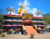 金黄寺庙在Dambulla斯里兰卡 图库摄影