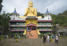 金黄寺庙在Dambulla 斯里南卡 库存照片