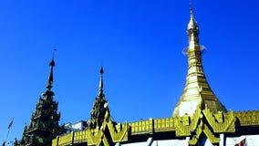金黄寺庙缅甸 免版税库存照片