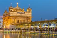 金黄寺庙& x28; Harmandir Sahib& x29;在阿姆利则 免版税库存图片