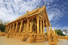 金黄寺庙Wat朴nam Chachoengsao 图库摄影
