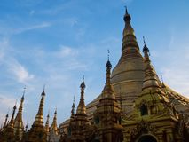 金黄小塔到艺术缅甸里 库存图片