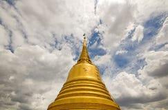 金黄山寺庙的Stupa 库存图片