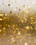 金黄抽象行动和迷离背景 免版税库存照片