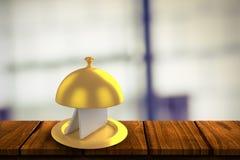 金黄服务盛肉盘的综合图象有卡片的 图库摄影