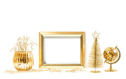 金黄框架和圣诞节装饰品 嘲笑为图片 免版税库存照片