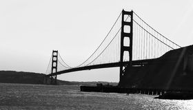 金黄桥梁的门 库存照片