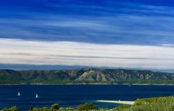 金黄海角-在海岛Brac,克罗地亚大角度视图的Zlatni鼠 库存图片