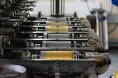 金黄活版圆筒土气葡萄酒打印方法阶 免版税库存图片