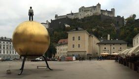 金黄球和铸工 库存照片