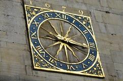 金黄的时钟 免版税库存照片