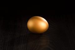 金黄的鸡蛋选拔 库存照片
