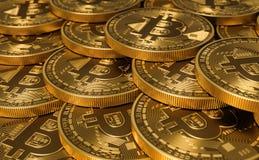 金黄真正货币铸造Bitcoins 库存图片