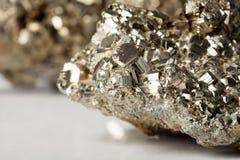 金黄硫铁矿石头 免版税库存图片