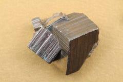 金黄硫铁矿立方体 库存图片