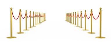 金黄篱芭,有红色障碍绳索的柱子 库存图片