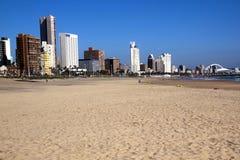 金黄英里海滩前面在德班南非 免版税图库摄影