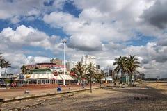 金黄英里海滩前面在德班南非 免版税库存照片