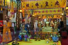金黄菩萨在Wat Phanan Choeng,阿尤特拉利夫雷斯,泰国 库存照片