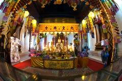金黄菩萨在Wat Phanan Choeng 库存照片