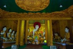 金黄菩萨的雕象 内部 Kyaik Tan Lan 老Moulmein塔 毛淡棉,缅甸 缅甸 免版税库存照片