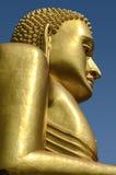 金黄菩萨的雕象 库存图片
