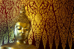 金黄菩萨的面孔在Wat Phanan Choeng,阿尤特拉利夫雷斯,泰国 免版税图库摄影