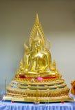 金黄菩萨雕象在泰国 免版税图库摄影