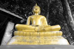 金黄菩萨& x28; statue& x29; 库存图片