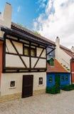 金黄车道的,普拉哈小的中世纪房子 图库摄影
