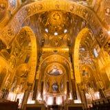 金黄马赛克在La Martorana教会,巴勒莫,意大利里 免版税图库摄影