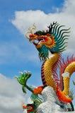 金黄龙雕象 免版税图库摄影