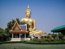 金黄buddah在泰国 库存照片