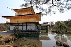 金黄kinkakuji京都pavillion寺庙 免版税图库摄影