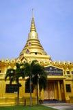 金黄stupa 图库摄影