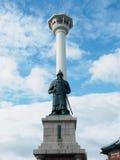 釜山李舜臣塔和雕象Yongdusan的停放 库存图片