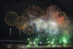 釜山烟花节日2016年-夜烟火制造术 库存照片