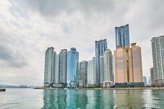 釜山,韩国- 2015年9月19日:大厦在海洋城市 图库摄影
