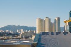 釜山,韩国- 2015年1月6日:现代城市风景  库存图片