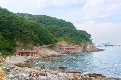 釜山,韩国- 2015年9月20日:Songdo海岸博列gil 免版税库存照片