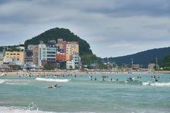 釜山,韩国- 2015年9月19日:Songjeong海滩 免版税图库摄影