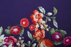 钉与花卉五颜六色的抽象样式的黏胶织品 免版税库存图片